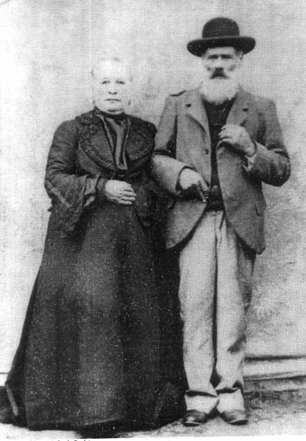 Don Luciano Velázquez y su esposa (fines del S. XIX)