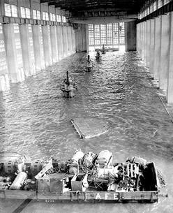 Sala de máquinas de la represa Rincón del Bonete inundada
