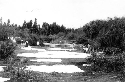 """Las lavanderas de """"La Estiva"""" (aproximadamente 1940)"""