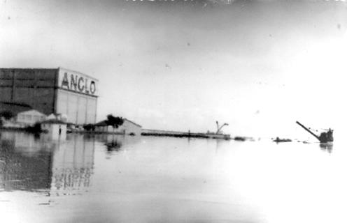 El Frigorífico Anglo bajo agua (Fray Bentos, abril de 1959)