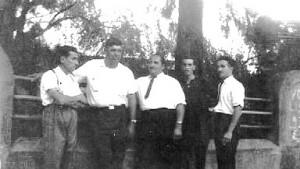 Equipo de Difusora Rochense con Carlos Sosa, Russi, Oscar Bruno, Cacho Eguía y Graña en viaje a Salto, abril de 1964