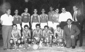 Carlos Sosa y selección de básquetbol de Rocha