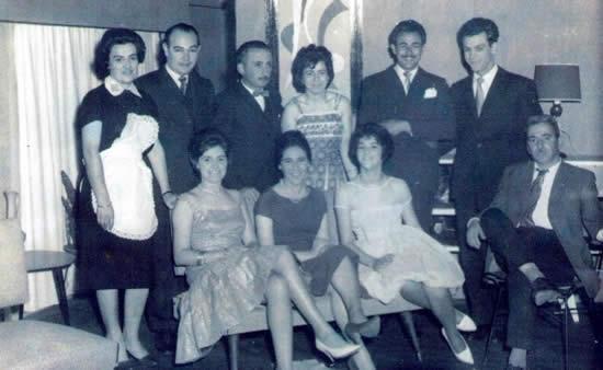 "Parte del elenco del Conjunto Teatral ""Candilejas"""