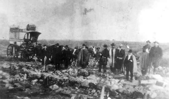 Retorno de los restos de Olivera, Ubal, Bowers, Pizarro, Gallo, Juan y Gregorio de León. (28 de mayo de 1905)
